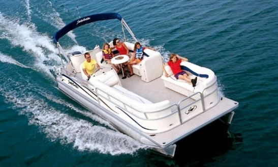 21' Pontoon Boat Rental On The Colorado River