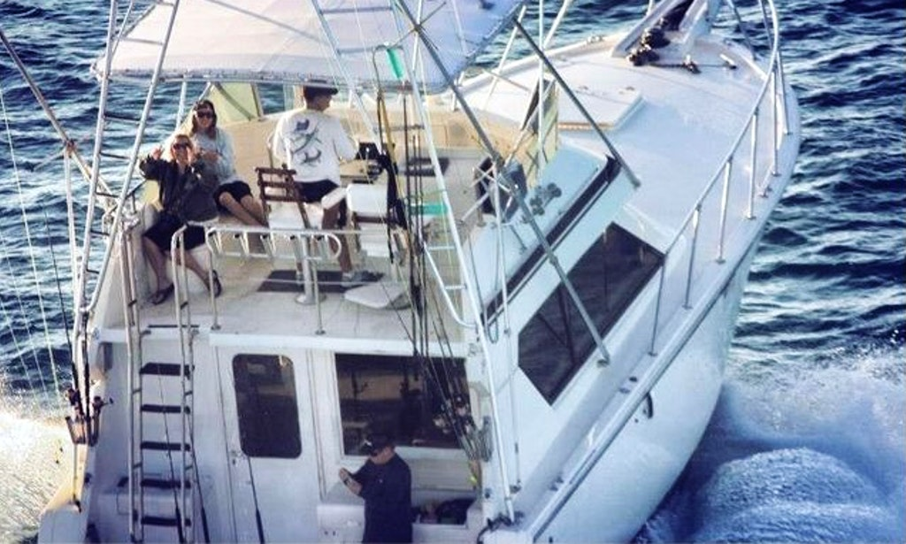 41 39 hatteras fishing charter in key biscayne getmyboat for Hatteras fishing charters