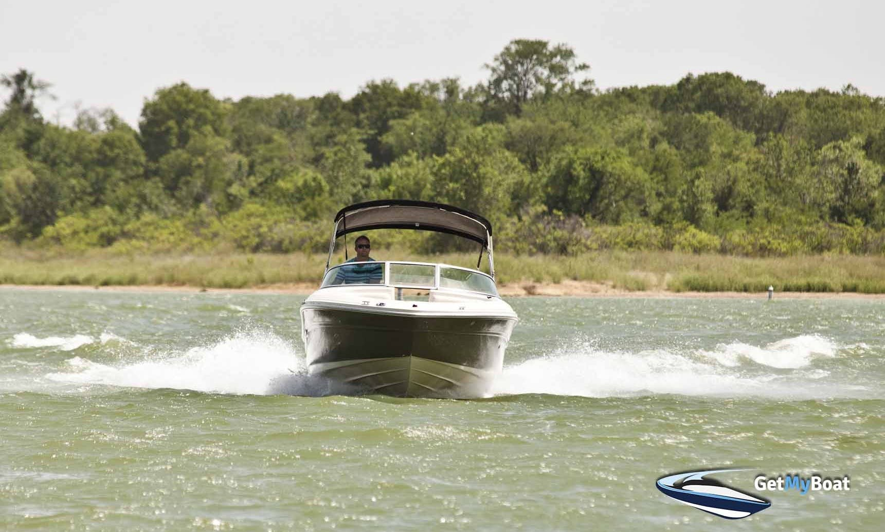 21' Sea Ray Ski/Wakeboard Boat for Rent near Lake Lewisville TX Tow and Go Option