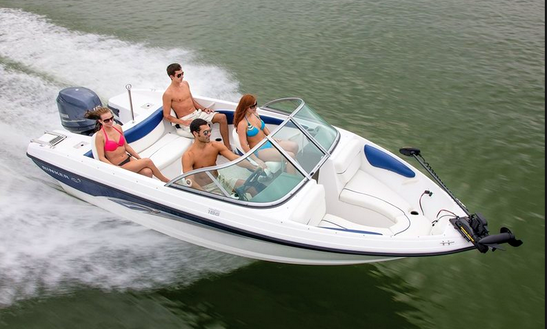18ft Bowrider Boat Rental In Waukesha, Wisconsin