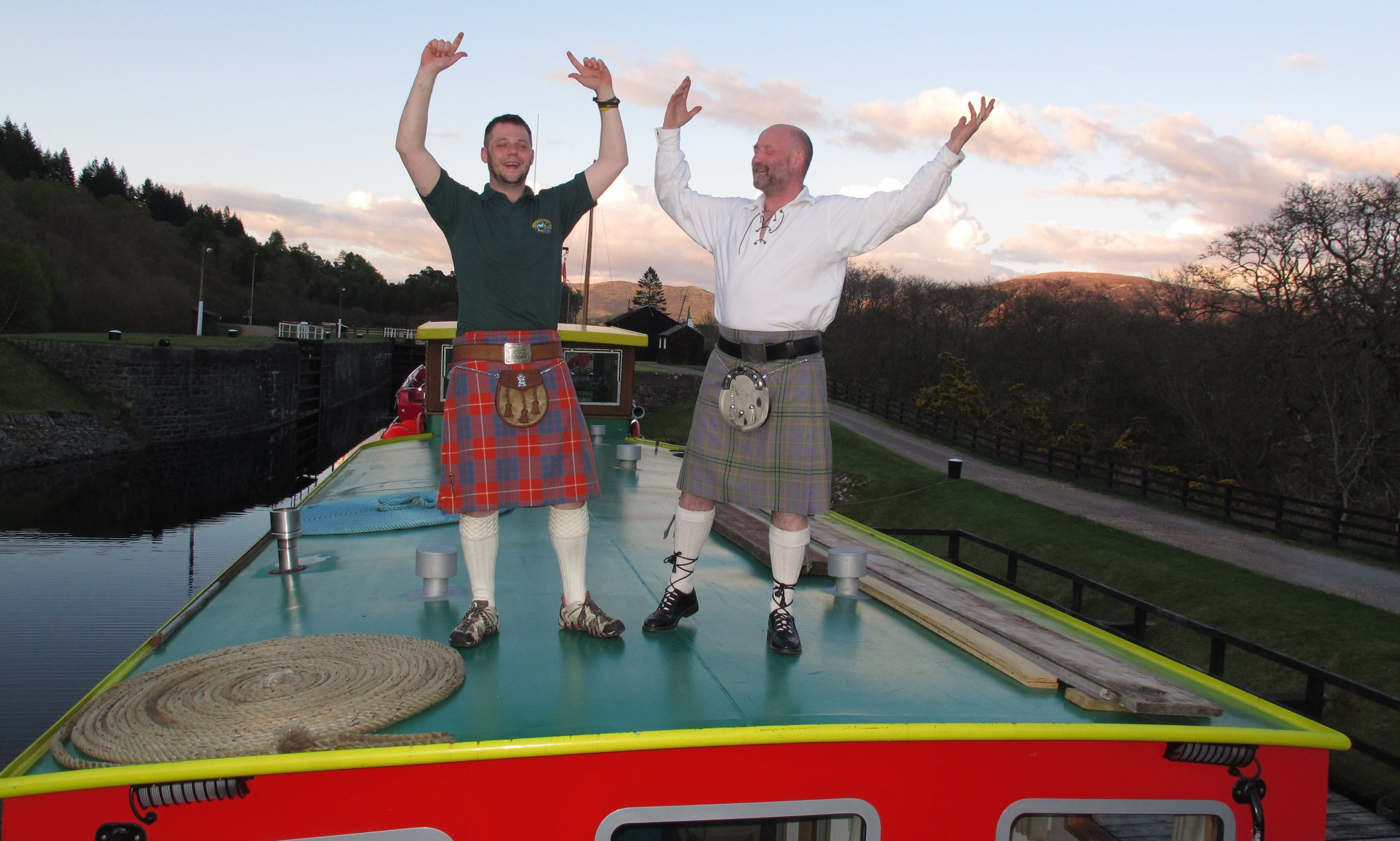 Caledonian Discovery Cruises - On the Caledonian Canal amidst stunning Highland scenery!