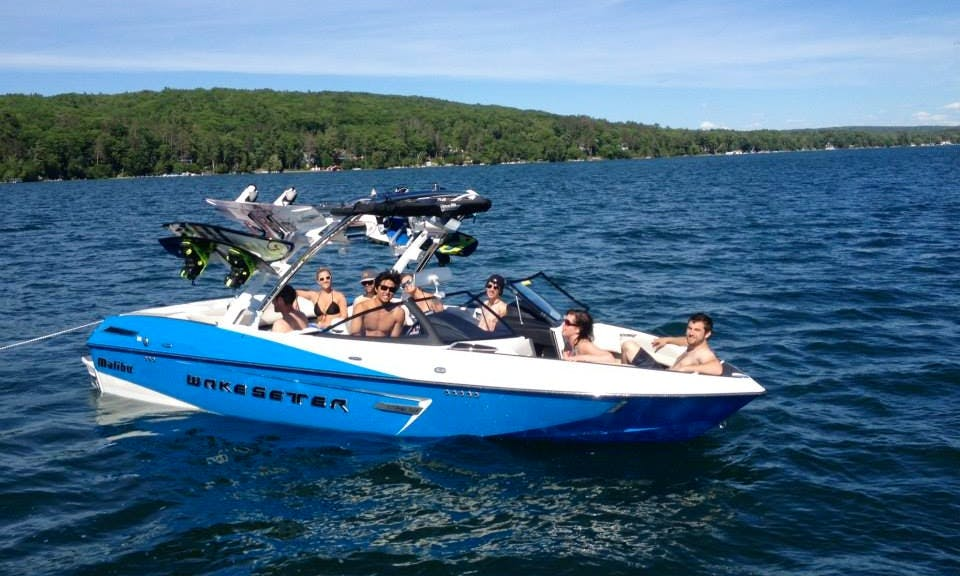 22ft Blue Wakesetter Bowrider Boat Rental In Walloon Lake, Michigan