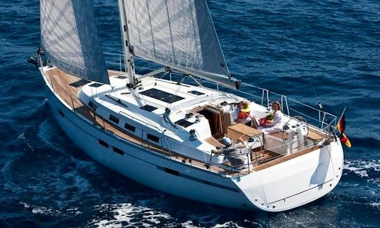 Charter Bavaria Cruiser 45 4-cab In Marina