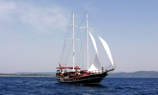 Traditional Gulet Charter 'jugo' In Split