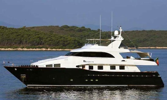 2001 Power Mega Yacht Charter In Toscana, Italy For 8 Person
