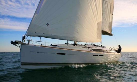 Charter Sun Odyssey 439