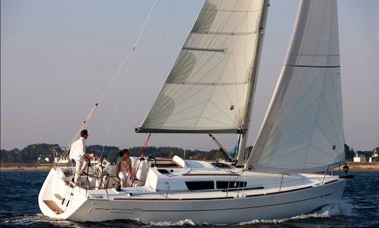Sun Odyssey 33i Sailing Yacht For 5 In Sicily