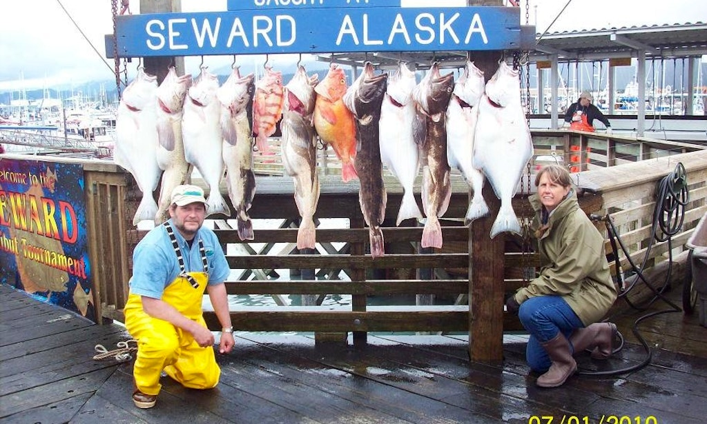 Guided fishing charters on 36ft mv karemar yacht in for Seward fishing charters