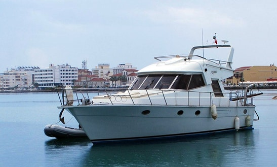 Queen Fountain Vip Yacht Charter In Çeşme