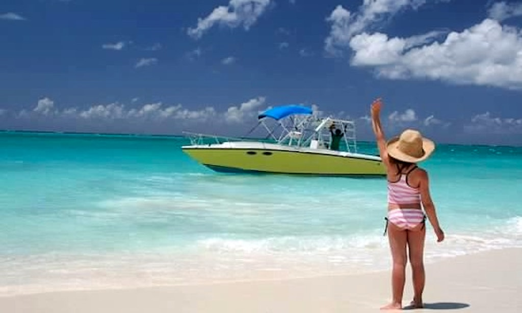 25ft spaccone power catamaran boat fishing charter in for Turks and caicos fishing charters