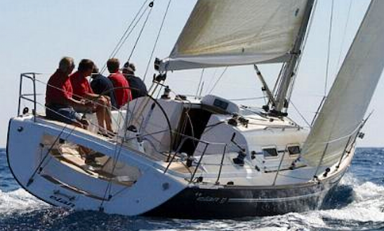 Elan 37 Luxury Yacht Charter In Hamble-le-rice