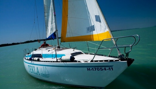 Charter 28' Sailing Yacht For 8 People In Siófok,