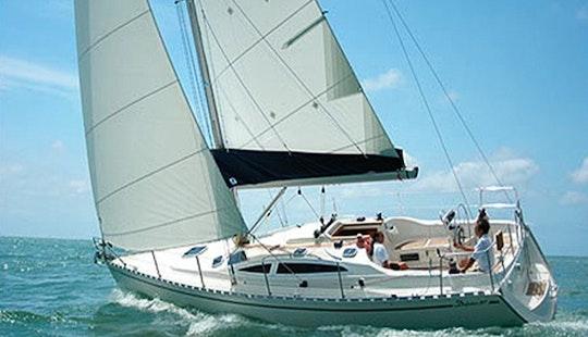 Charter Delphia 37