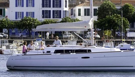 Charter Beneteau Oceanis 34 (2012)