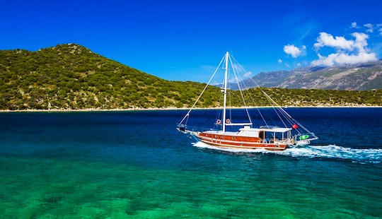 Crewed Exclusive Sailing Charters In Turkey