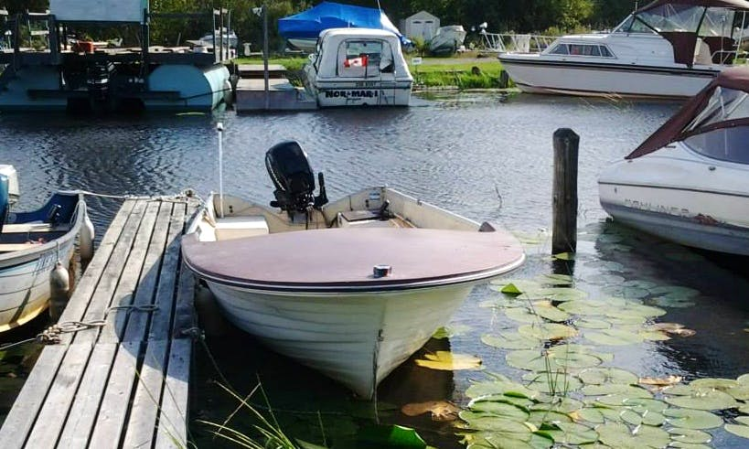 16' Fiberglass Boat Rental on Lake Nipissing, Ontario