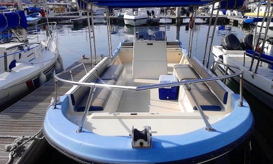 30 Feet Center Console Boat Ak-3 In Oman, Muscat