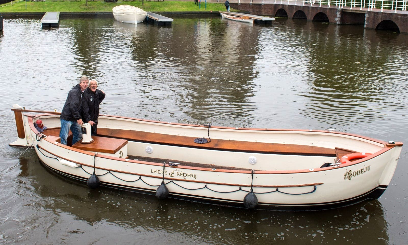 Book a Private and Popular Canal Boat Tour for 24 People in Leiden