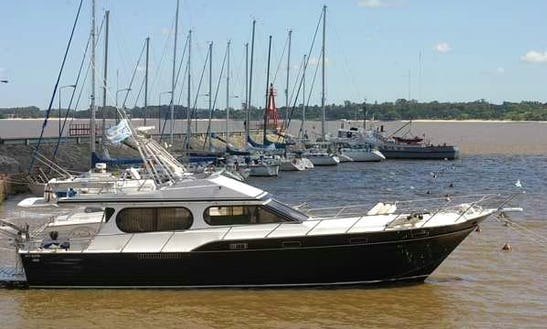 Delta Tour - Charter Yacht In Delta