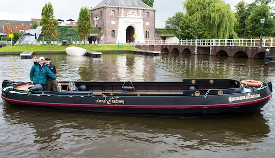 Explore Leiden Aboard A Beautiful Waterbus For 30 People