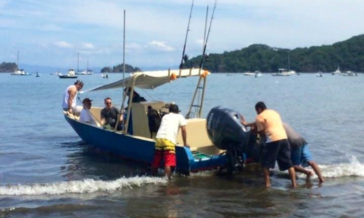 28ft Sport Fisherman Boat Charter in Guanacaste, Costa Rica