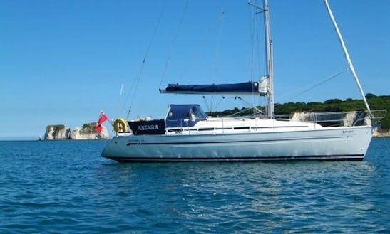 Fabulous 8 Person Bavaria 36 Cruising Monohull For Charter In Gosport, England