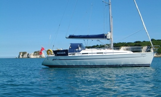 Fabulous 8 Person Bavaria 36 Cruising Monohull For Charter In Gosport, England