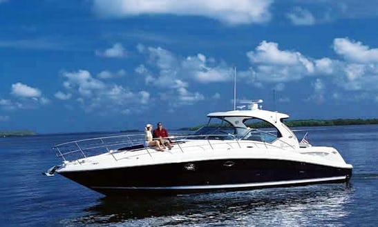 Sundancer  Motor Yacht Hire In Dona Paula