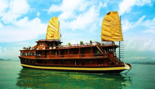 Cruise In Hạ Long Bay