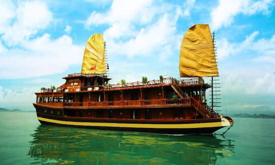 Cruise In Hạ Long Bay