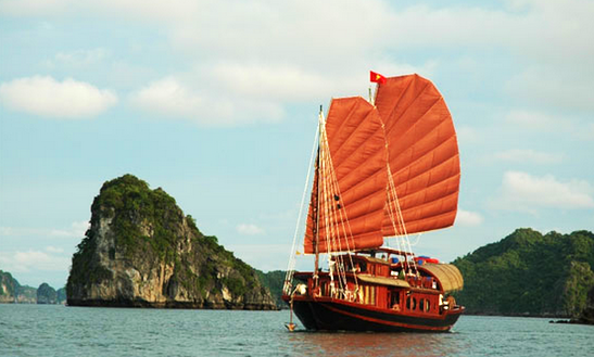 Hạ Long Bay Cruise On Annam Junk