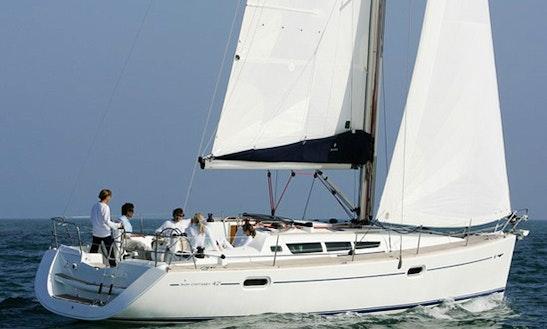 Sun Odyssey 42 I Monohull Charter In Sane