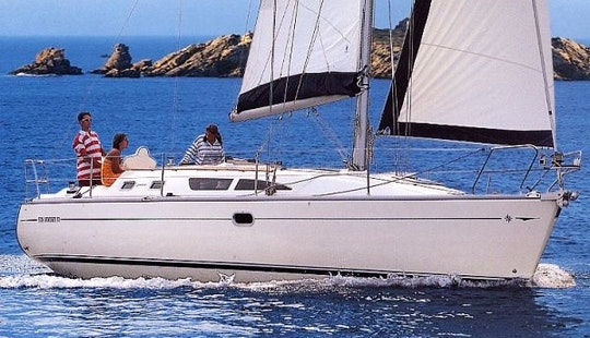 Sun Odyssey 37 Monohull Charter In Sane