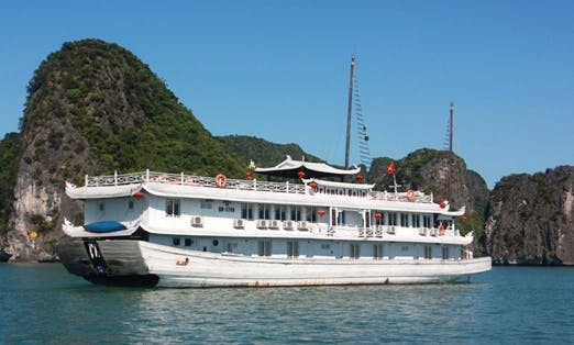 Oriental Sails Cruise in Hạ Long Bay