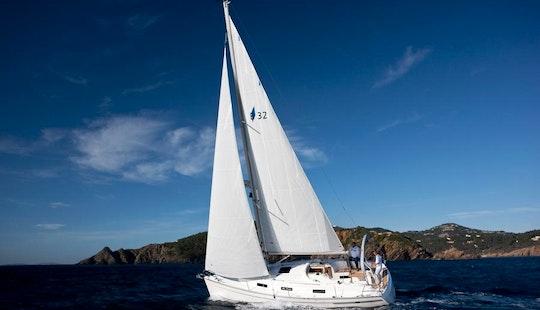 Luxury Sail Bavaria 32 Cr In Barcelona