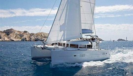 Charter Luxury Catamaran Lagoon 400 In Mallorcain S'arenal