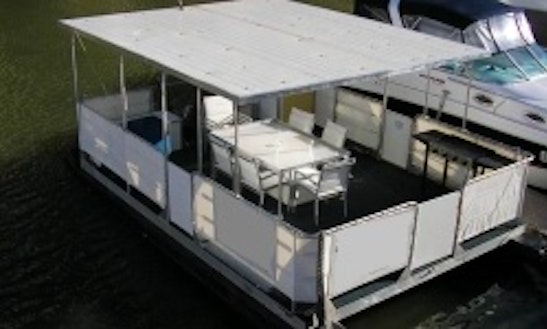 The Entertainer Boat For Hire In Brooklyn