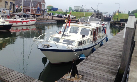 Motor Yacht With Captain In South Holland
