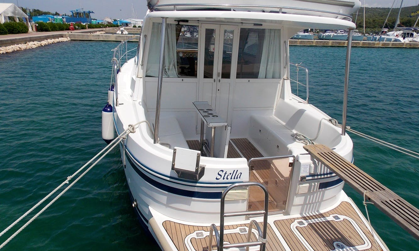 36' Motor Yacht for 7 people in Trget, on the Istria Coast in Croatia