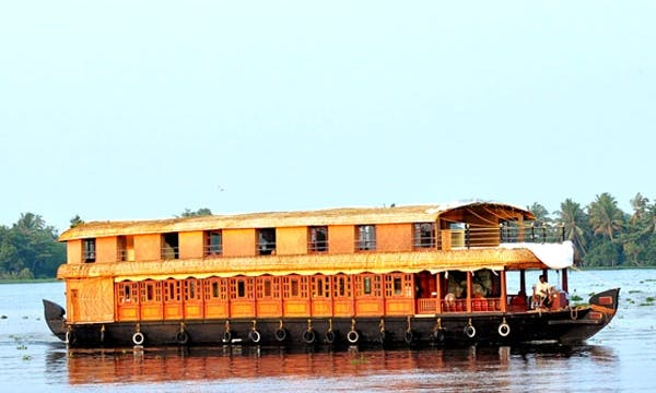 Stay & Cruise Four Bedroom Houseboat Charter in Alappuzha