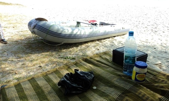 14' Inflatable Boat For Rent In Banana Islands, Sierra Leone