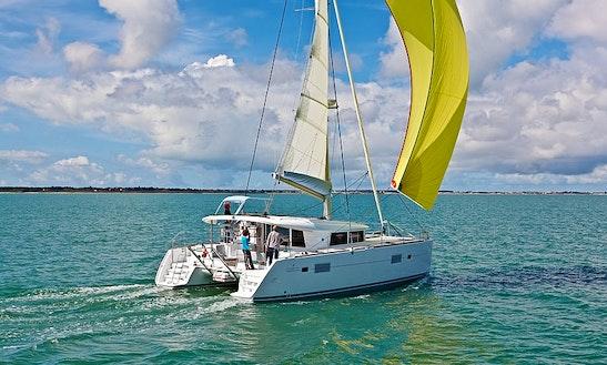 Charter  Catamaran  Lagoon 400  In Sani