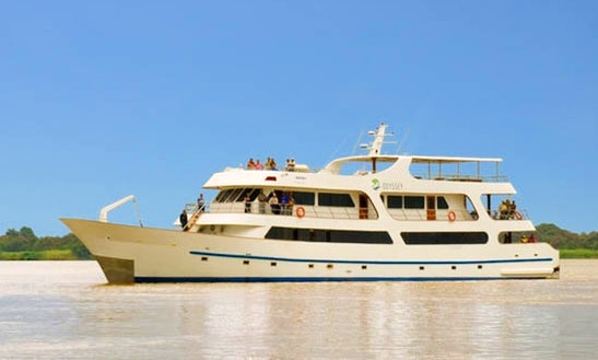 1st Class Motor Yacht Odyssey Charter In Puerto Ayora