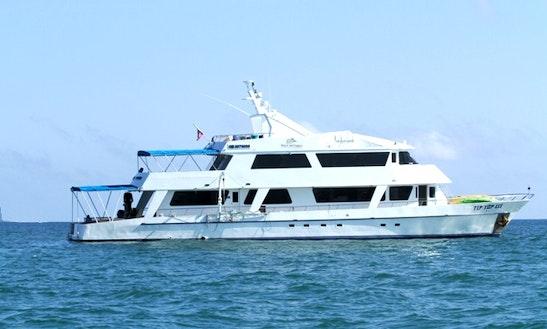 Tip Top Iii 98' Motor Yacht Charter In Puerto Ayora