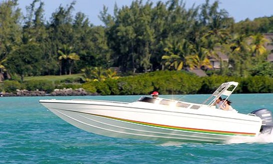 Boat Tours On A Speville 27 In Quatre Cocos, Mauritius