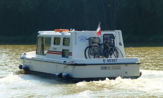 28' Sittele Espade Trawler Rental In Vitry-laché