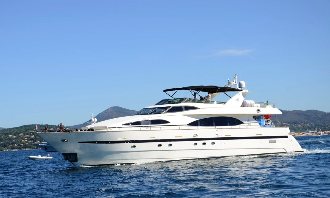 Azimut 100 Crewed Yacht Charter in Fréjus