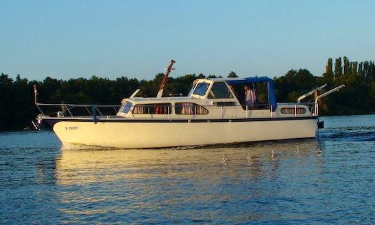 Motor Yacht Rental In Erkner