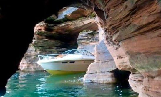 20' Deep V-hulled Powerboat In Bayfield