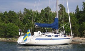 "Charter Jeanneau ""Madonna"" in the Stockholm Archipelago"